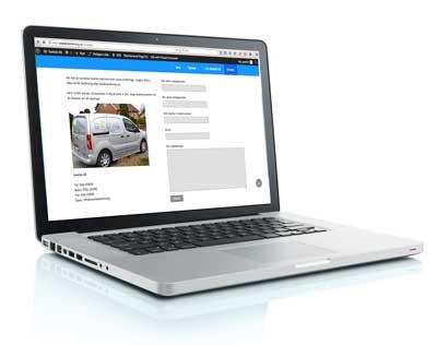 Dator med Swefabs kontaktsida.