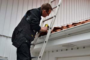 Överlåtelsebesiktning - besiktning av tak.