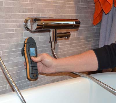 Fuktmätning i badrum.